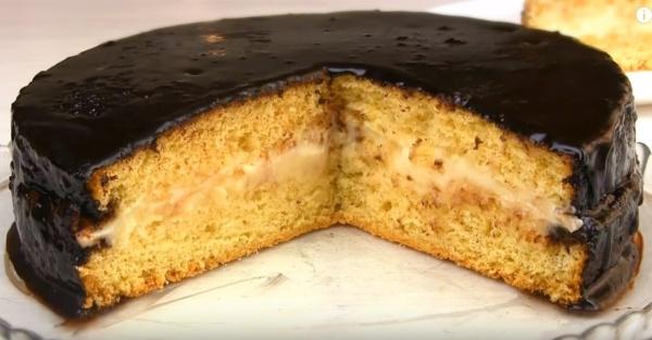 Простой и очень вкусный рецепт бисквитного торта Чародейка фото