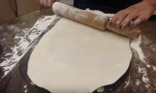 пельмени 1 расскатываем тесто