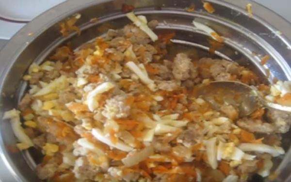 блины с мясом 2 добавляем яйца
