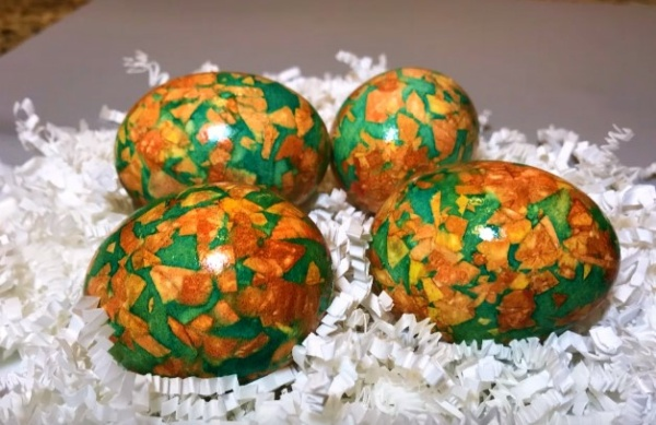 яйца в луковой шелухе 4