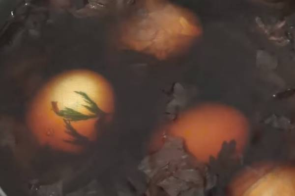 красим яйца 1 варим