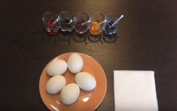красим яйца 6 разводим красители