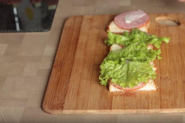 бутерброды божья коровка колбаса