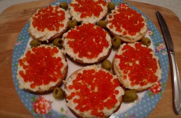 бутерброды с красной икрой 4