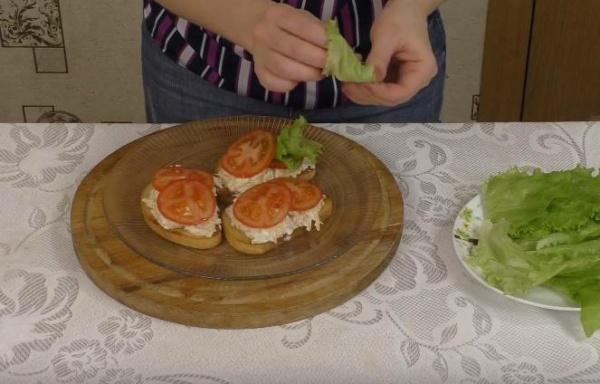 бутерброды с печенью трески собираем вариант 3