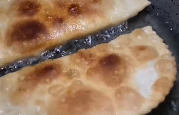 чебуреки с мясом 5 обжариваем