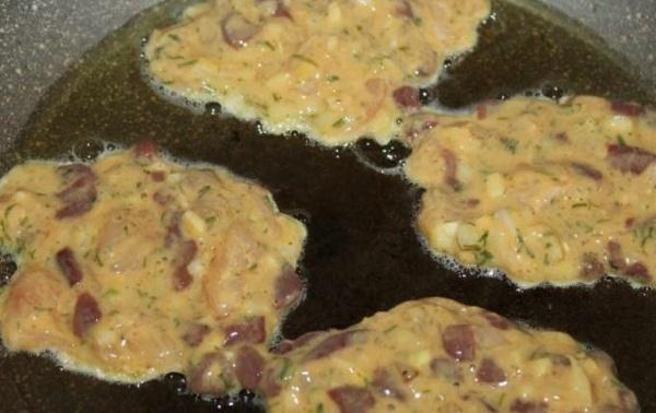 оладьи из печени курицы 3 обжариваем
