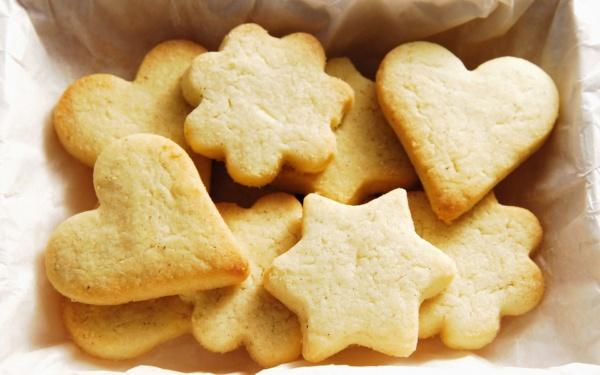 Как приготовить домашнее песочное печенье на сливочном масле по рецепту с фото