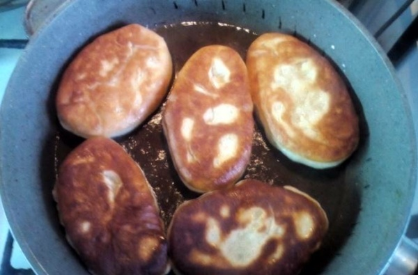 пирожки с картошкой 1 жарим пирожки
