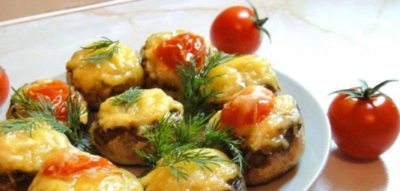 Фаршированные шампиньоны в духовке с сыром – топ 10 рецептов с фото пошагово | Шампиньоны в сметане с сыром | Запеченные в духовке самые простые рецепты